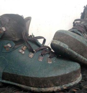 Пластиковые ботинки lova