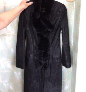 Кожаное пальто с мехом из кролика