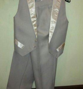Продам костюм 6-8 лет