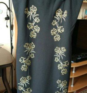 Платье-футляр со съемными брит. Новое 42-44 размер