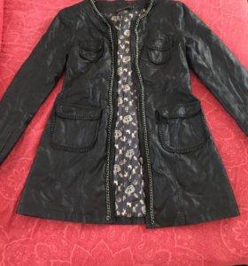 Пальто,кожаное ,новое