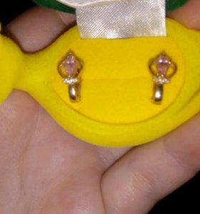 Сережки золотые. Для девочки маленькой.