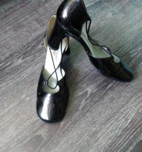 Немецкие кожаные лаковые туфли