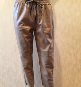 Новые кожаные бежевые брюки Vicolo (Италия)
