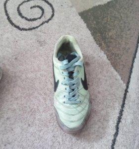 Футбольные кросовки найк