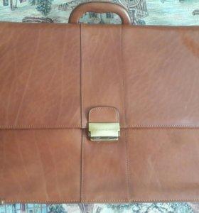 Кожаный итальянский портфель piquadro