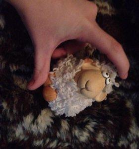 Статуэтка (подарок,сувенир,копилка,игрушка,овца)