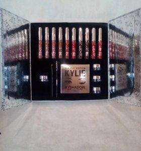 Kylie Holiday Big Box - набор косметики 5 в 1