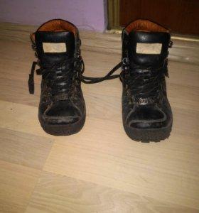 Ботинки осенние р.36