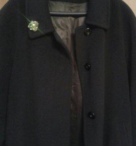 Весенее пальто изумрудного цвета р58