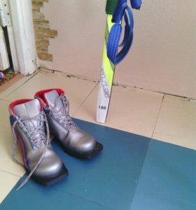 Лыжи и ботинки  37 размер
