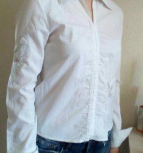 Белая рубашка со вставками