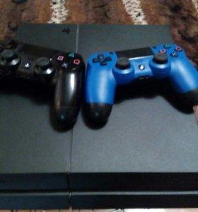 Sony PlayStation 4 c играми и двумя геймпадами