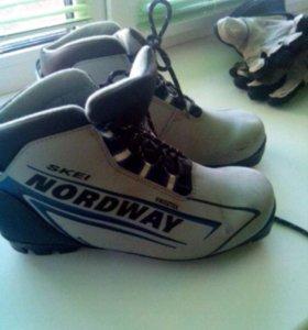 Ботинки лыжные,37 размер