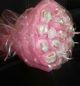 Букеты из конфет в наличии
