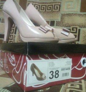 Туфли женские, 38 размер.