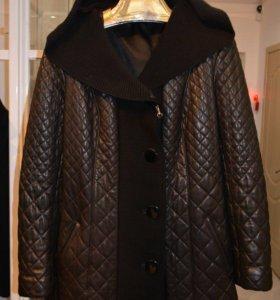 Кожаная куртка (новая) с капюшоном на синтепоне