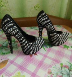 Очень красивые туфельки))