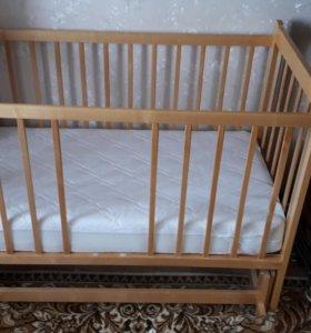 Детская кроватка для грудных детей