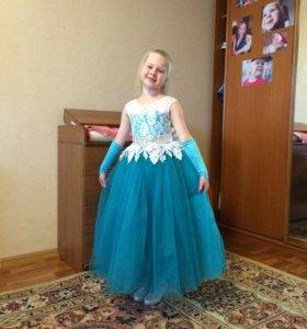 Платье праздничное 32 р