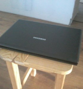 Ноутбук Samsung + сумка, мышка и клавиатура