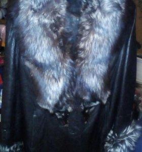 Кожаная куртка с мехом из чернобурки.