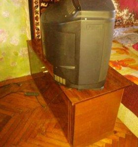 Телевизор с тумбачкой