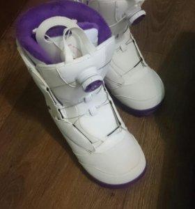 Новые ботинки для сноуборда Salomon