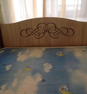 Кровать +тумба+матрац