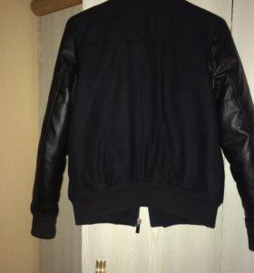 Куртка S -M