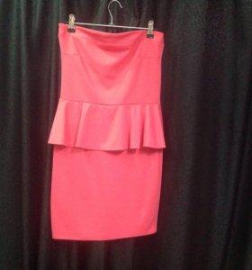 Платье с баской розовое