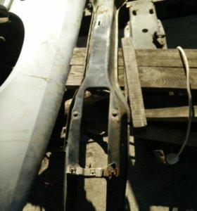 Держатель панели переднего бампера