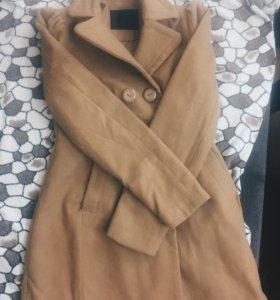 Пальто женское размер М(но больше подойдёт на S)