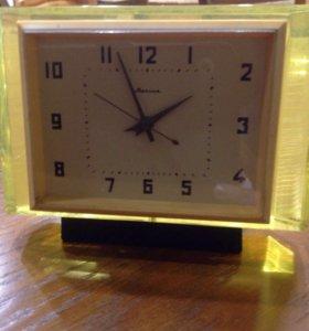 Настольные часы СССР  ( для коллекционеров )