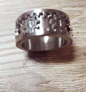 Кольцо с вращающимися шестеренками
