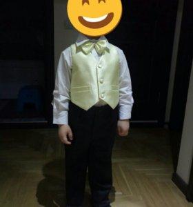 Комплект костюм праздничный на мальчика р. 92