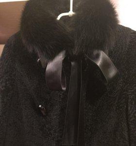 Пальто женское из каракульчи