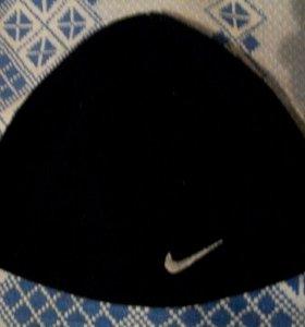 """Шапки """"Nike"""" и """"Next"""""""