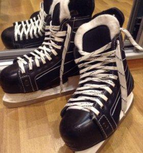 Хоккейные коньки,мужские. Размер 38.