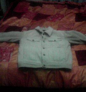 Димисизонная вильветовая куртка с мехом искуственн