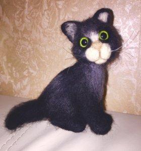 Валяный котик из натуральной шерсти