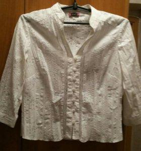 Блузка белая нарядная.