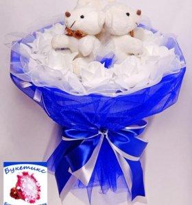 Букеты из мягких игрушек: синий,с мишками и розами