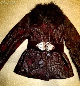 Красивая стеганая куртка 44-46р