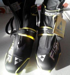 Лыжные ботинки, конек