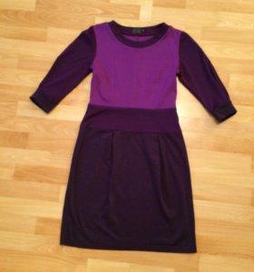 Трикотажное платье 42