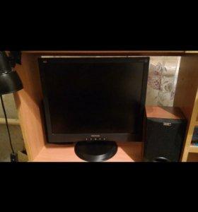 Стационарный компьютер и монитор