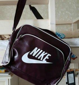 Новая сумка Nike