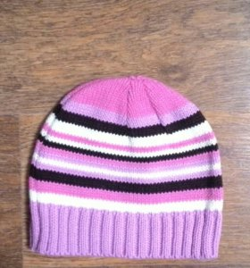 розовая в полосочку шапка
