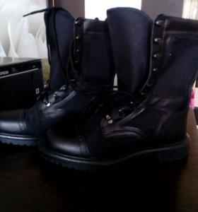 Ботинки с высокими бердцами